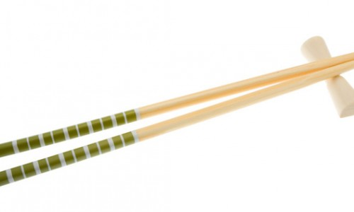 Man Commits Suicide with the Ultimate Weapon…Chopsticks.