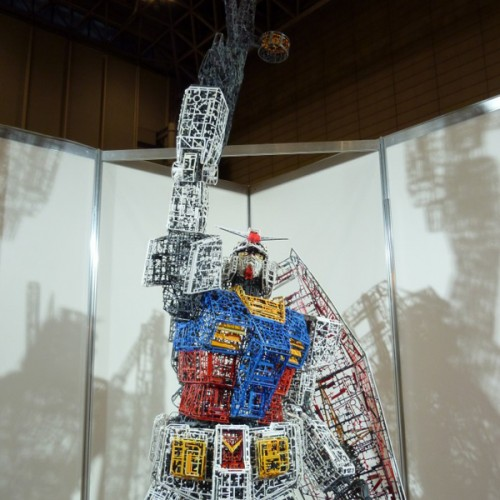 10-ft Tall Gundam Built out of Model Scraps