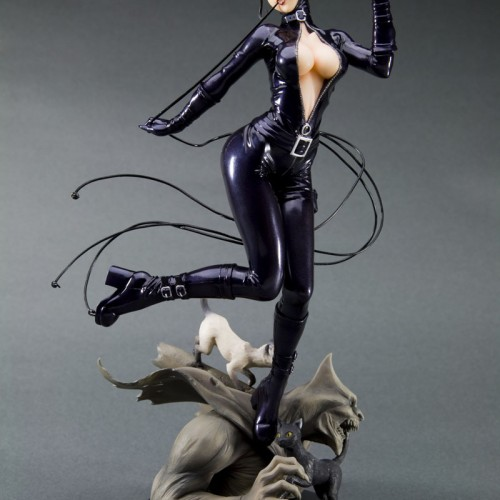 Catwoman Re-Illustrated as DC Bishoujo Statue from Kotobukiya