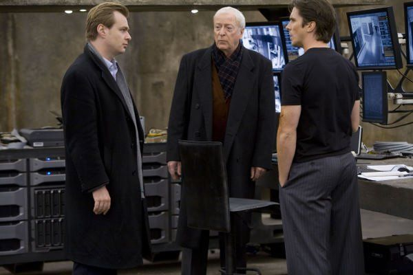the-dark-knight-22-christian-bale-michael-caine-christopher-nolan-batman