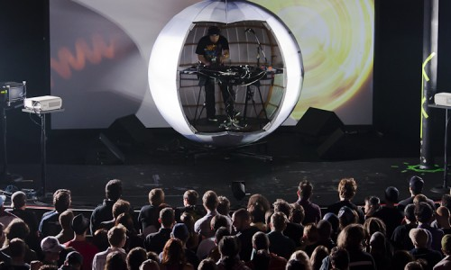 The Shadowsphere – DJ Shadow's New Visual Performance