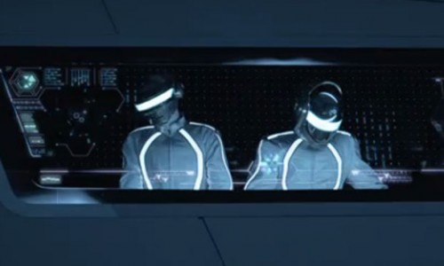 Daft Punk Delivers an Orgasmic Performance – TRON Legacy Soundtrack Review