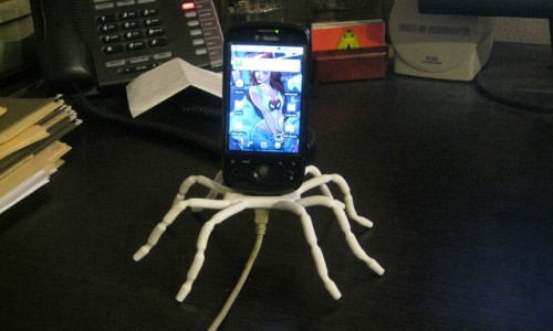 Spiderpodium: The Flexible Travel Dock for Your Phone and Handheld