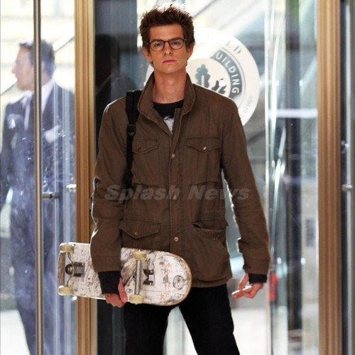 Andrew Garfield's Peter Parker Skateboards, Plus Emma Stone as Gwen Stacy On Set Images