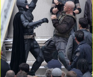 tom-hardy-christian-bale-bane-batman-battle-05