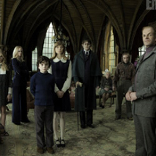 "New official ""DARK SHADOWS"" Image shows Depp as Barnabas"