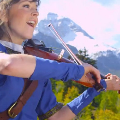 Zelda Music…Check. Female Link Cosplay…Check. Female Link Playing Violin to Zelda Music…Triple Check!
