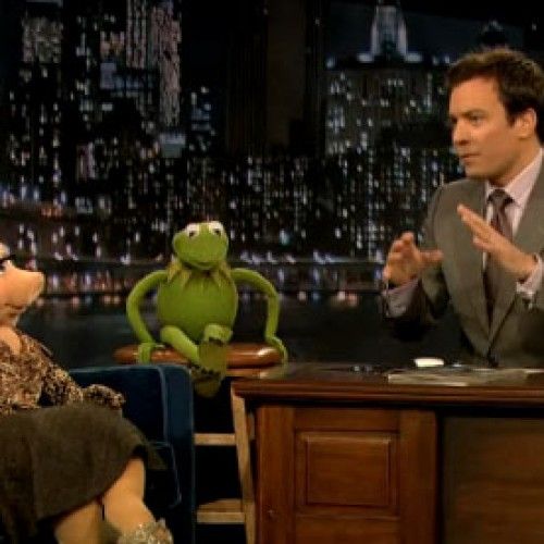 Here's the Miss Piggy and Kermit the Frog on Jimmy Fallon Video