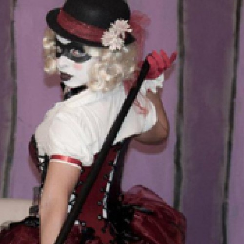 """Watch Harley Quinn Perform """"The Greatest Show on Earth"""""""