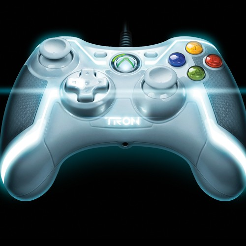 TRON: Legacy's Gem Has Controllers Modeled After Her for Xbox 360 and PS3
