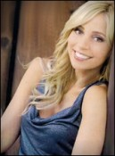 Tara Strong  headshot1