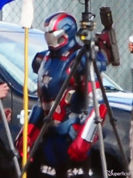 Nerd Reactor has the snuck peaks of Iron Patriot