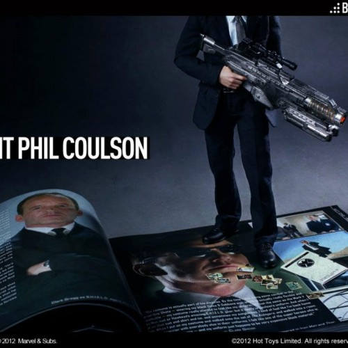 Agent Coulson gets his own Hot Toys action figure!