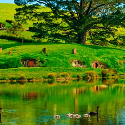 New Zealand wants you to win a trip to Middle-earth during Comic-Con