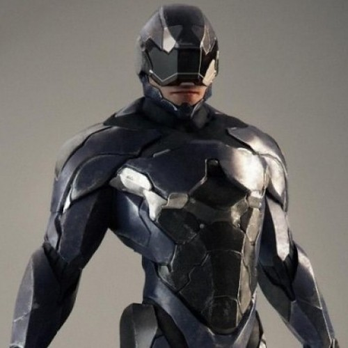 RoboCop runs into a lot of trouble with a disgruntled director, a major dropout and Clive Owen?