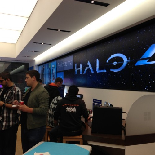 Microsoft Store's Halo 4 midnight release event report