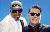 mc hammer and psy at the american music awards 2012
