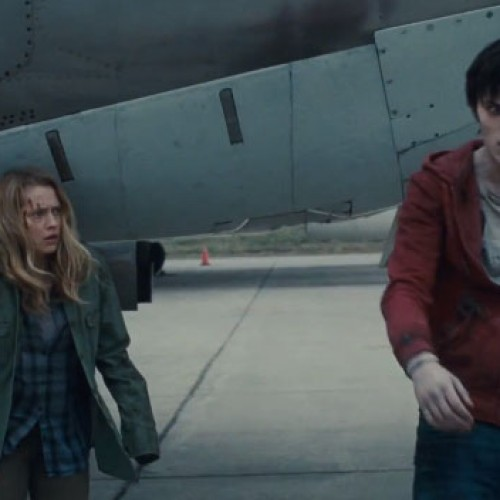 'Warm Bodies' trailer shows that zombies can fall in love
