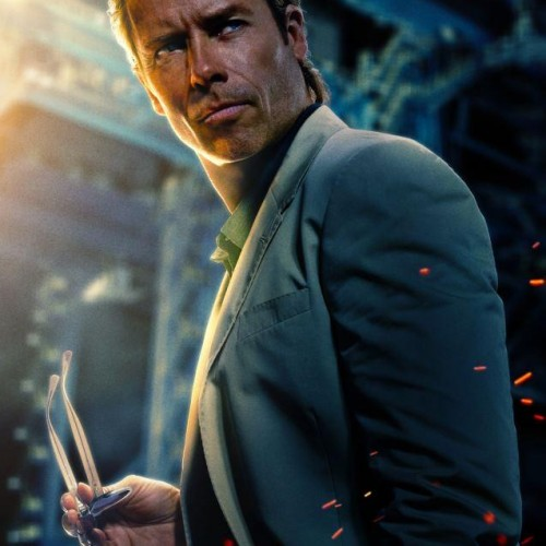 Guy Pearce gets an Iron Man 3 poster