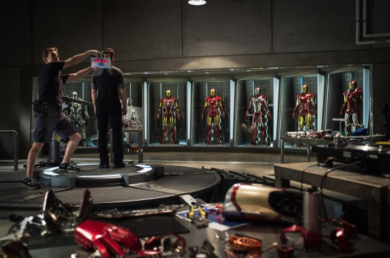 Iron-Man-3-Production-Image-Tony-Stark-Hall-of-Armor-570x378