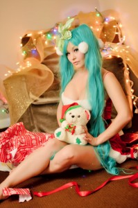 holiday_miku_by_ani_mia-photo-Ron Gejon