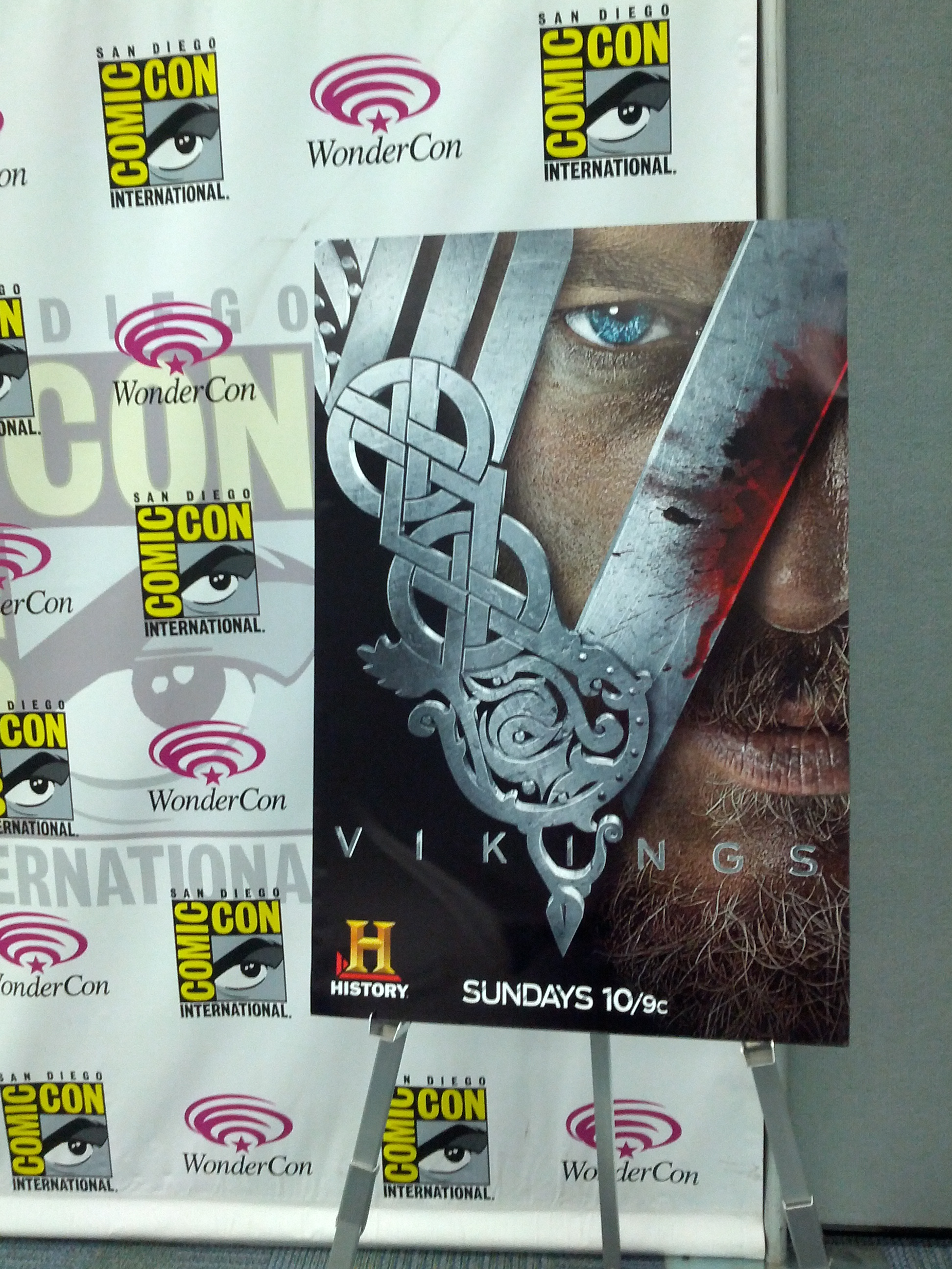 WonderCon: An interview with Vikings' Travis Fimmel, Katheryn