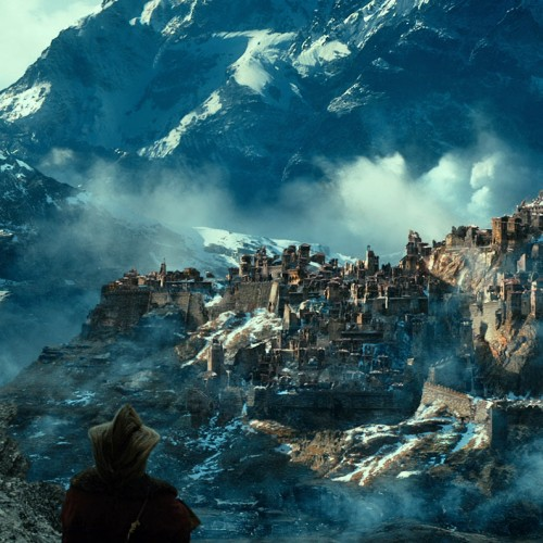 The elves react to fans watching The Hobbit: The Desolation of Smaug's trailer