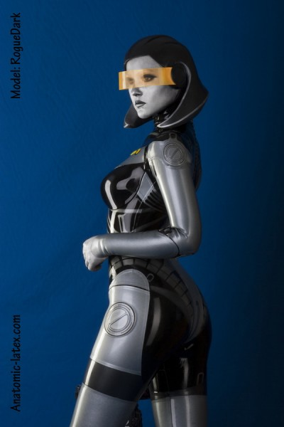 Mass Effect Cosplay - Edi5