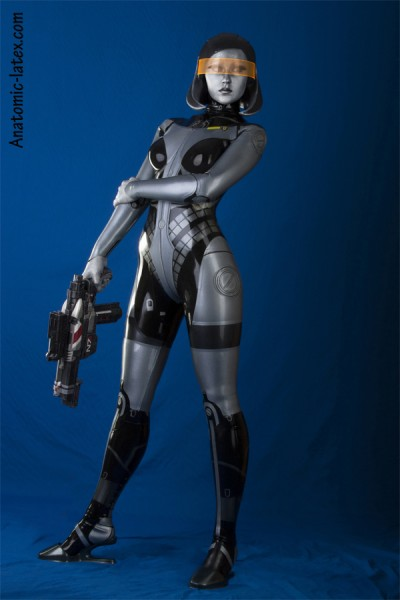 Mass Effect Cosplay - edi2-mini