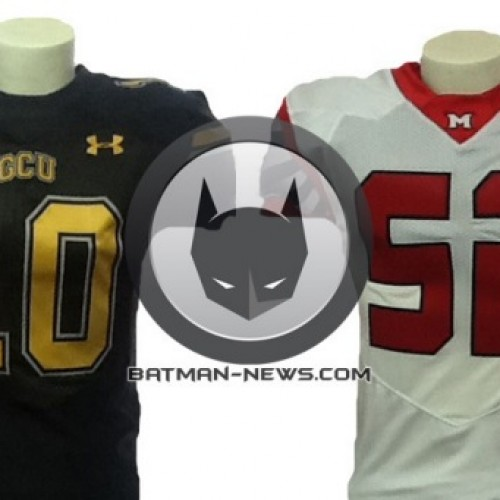 Extras attending this Saturday's Superman/Batman shoot will get a Gotham or Metropolis jersey