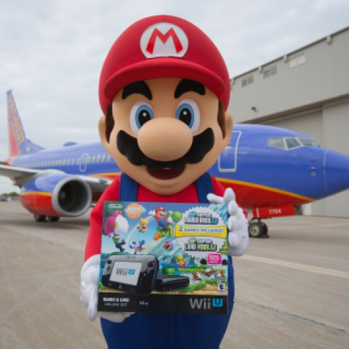 Mario gives over 100 Wii U's to surprised Southwest Airlines customers