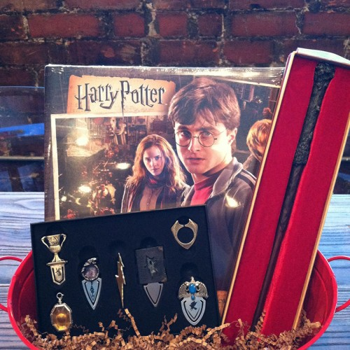 Contest: Winner announced for Harry Potter Wand, Horcrux and Calendar Giveaway