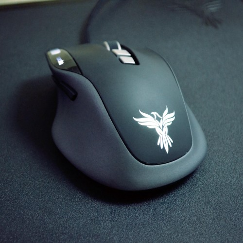 Review: The Feenix Nascita gaming mouse and Dimora gaming surface