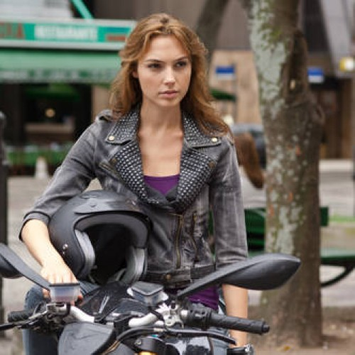 Fast Five's Gal Gadot to be Wonder Woman in Superman vs. Batman flick