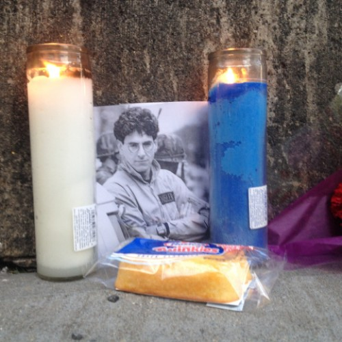 Fans leave flowers and Twinkies at Ghostbuster firehouse in memory of Harold Ramis