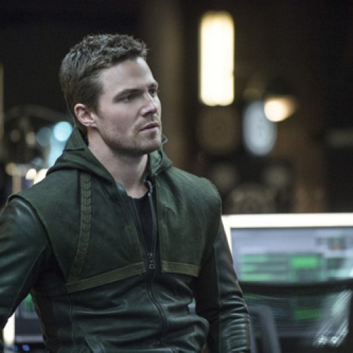 Arrow's Stephen Amell is going to play Casey Jones in Teenage Mutant Ninja Turtles 2