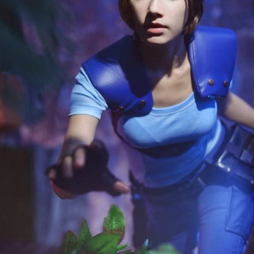 Cosplayer of the Day: Natasha Firsakova as Jill Valentine