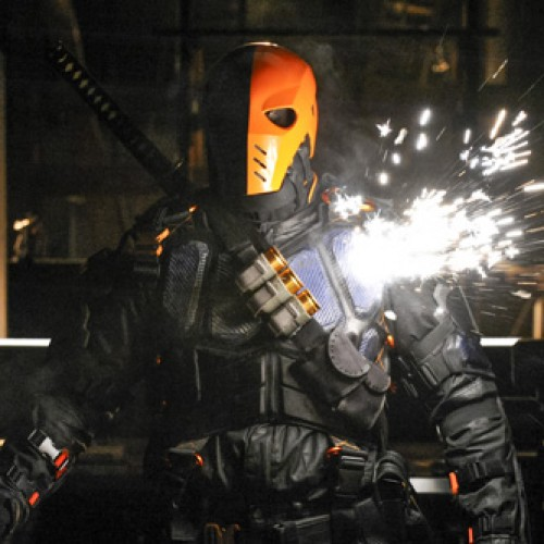 Arrow vs. Deathstroke – New images and preview for 'The Man Under the Hood'
