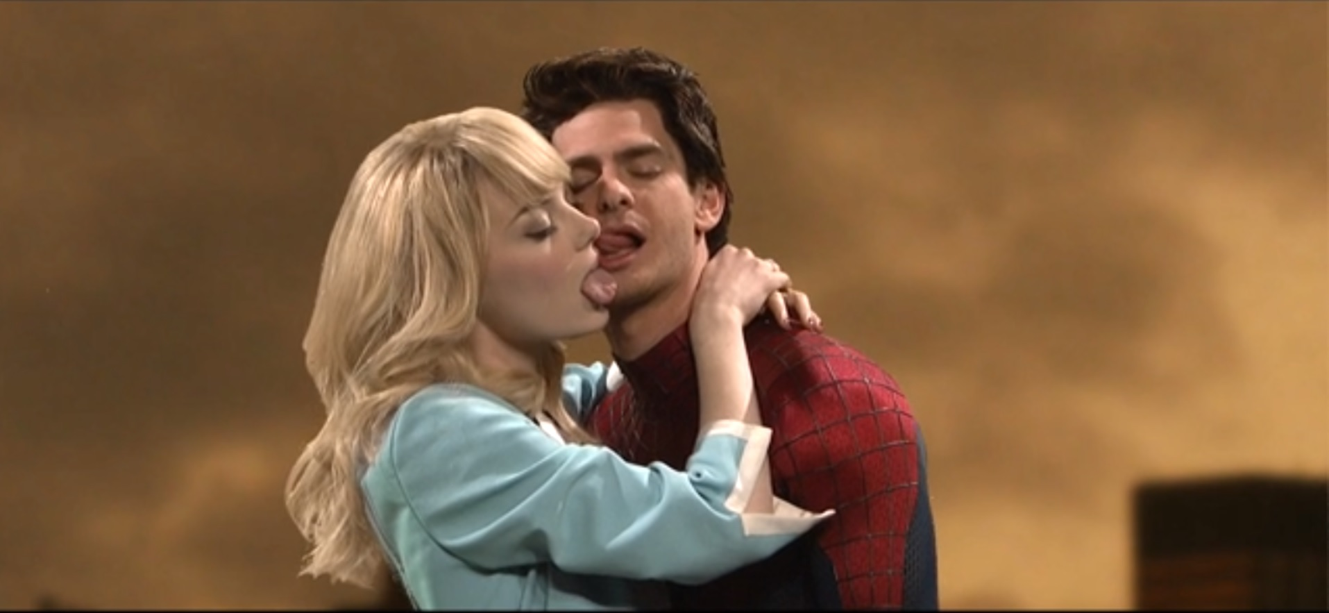 spider man kiss
