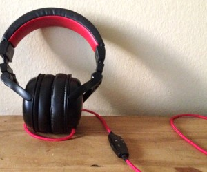 wicked solus headphones over the ear