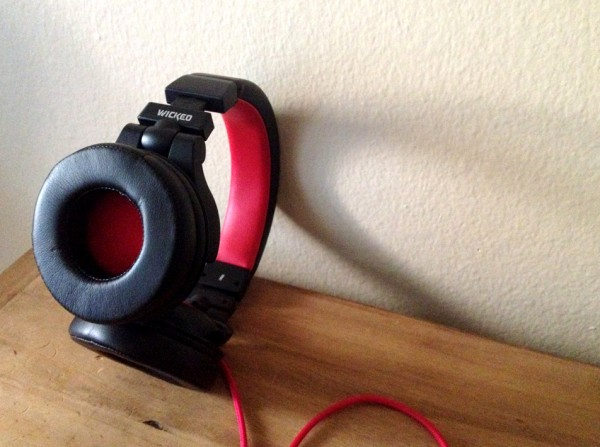 wicked solus headphones flipped out cup