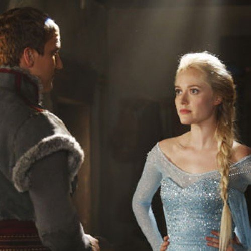 Frozen's Elsa seen in ABC's Once Upon a Time photo