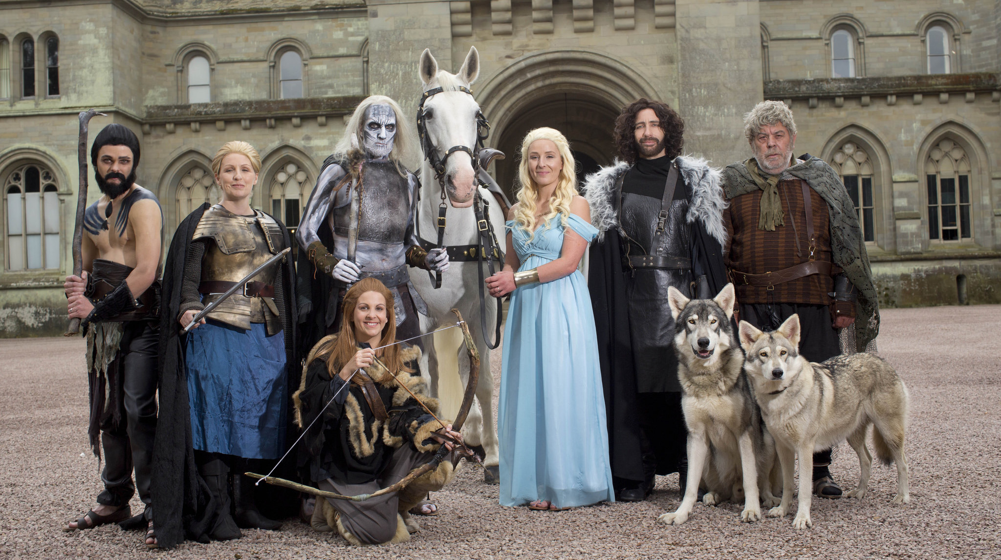 Couple Dresses Up And Does Game Of Thrones Themed Wedding Nerd Reactor