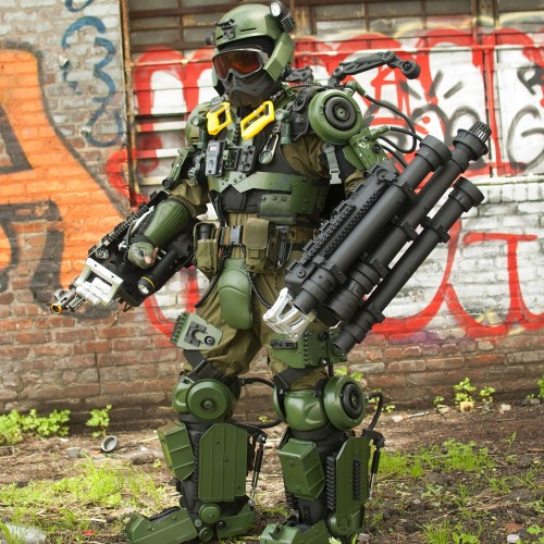 Exo suit cosplay inspired by Edge of Tomorrow