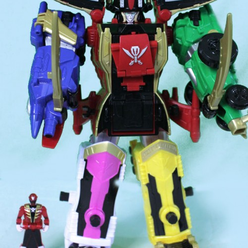 Power Rangers Super Megaforce Legendary Megazord figure review