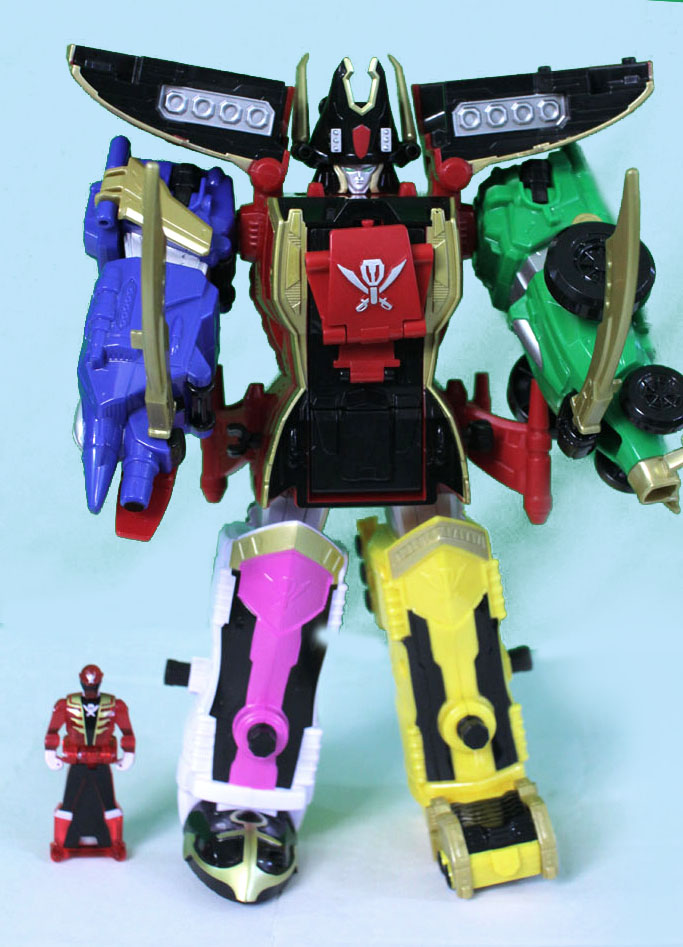 28a898ce5ad Power Rangers Super Megaforce Legendary Megazord figure review ...