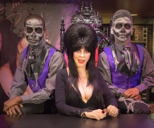 knott's scary farm Elvira_Boo-tique4