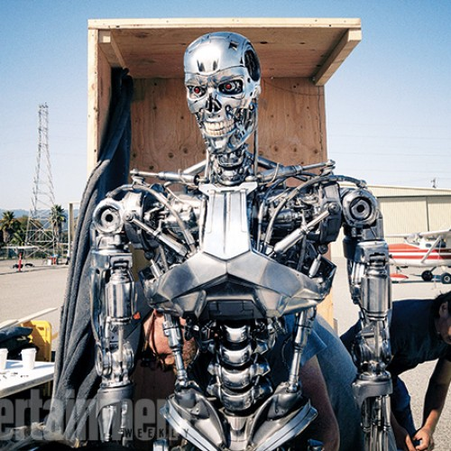 First official look at Arnold as T-800 in Terminator: Genisys