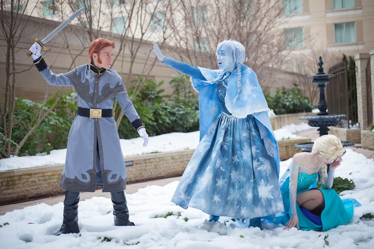 Frozen Cosplay Captures Emotional Scene Perfectly Nerd