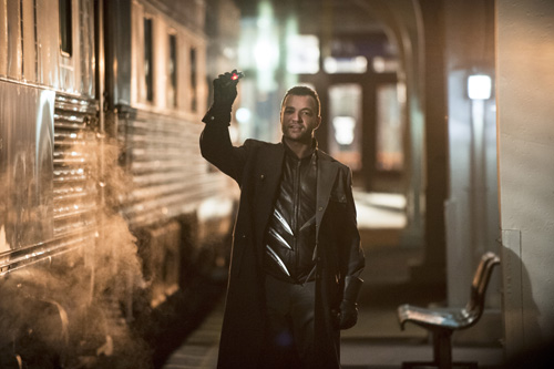 Arrow and The Flash vs. Captain Boomerang photos - Nerd ...
